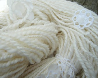 "Alba""skein spun on spinning wool, silk, white flowers"
