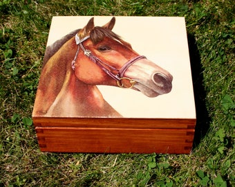 wooden box horse, keepsake box, horse lover, box for cowboy, casket horse, jewerly casket, strawberries box