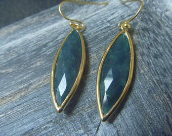 Golden Earrings: green jade