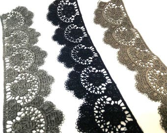 Grey wool lace, brown blue