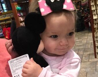 Minnie Mouse Bow // Minnie Dots