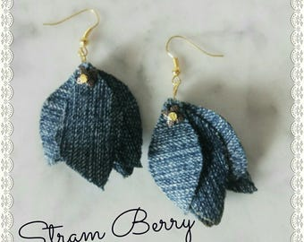 Leaf earrings with jeans fabric