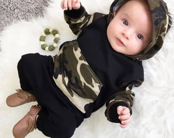 Camoflage hooded sweat ourfit