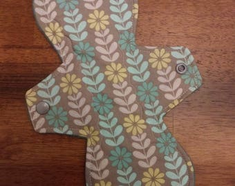 "10"" Gray/Blue Floral Design Cloth Pad"