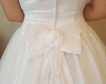 Beautiful White Wedding dress/Bridal gown/Prom dress/Tulle/Chiffon/Satin/Sleeveless
