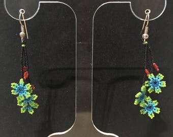 Green/blue/black glass beads flower motif earrings