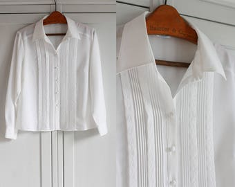 1980s White Shirt Blouse Vintage Ethereal Elegant Retro fashion Women Top Button down shirt Loose fit / Medium or Large size