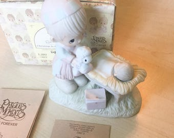 Vintage Precious Moments Christmas Is  A Time To Share Figurine E-2802