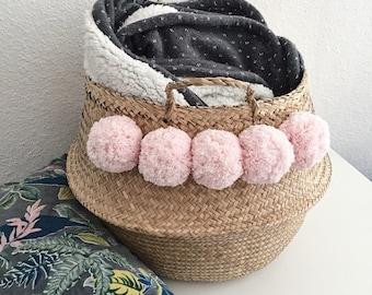Panier thaïlandais XL naturel avec pompons 100% coton roses tendres