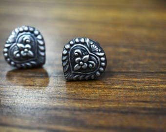 Gorgeous Spade STUD EARRING 925 silver oxidised