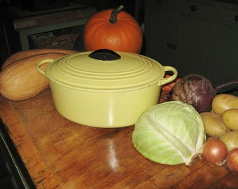 A Large Vintage French Le Creuset 31 cm Oval Cast Iron Casserole / Dutch Oven / Elysee Yellow  ~ 1950,s  ~  Marilyn Munroe Colour