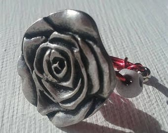 Silver Rose Tiny Skulls Ring