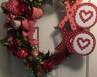 SALE! Valentine Red Grapevine Wreath, Red Grapevine Wreath, Red Valentine Wreath,Grapevine Wreath, Valentine's Day Grapevine Wreath,
