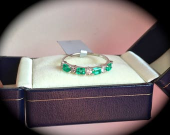 Columbian Emerald and W Sapphire Ring White Gold Size Q (US 8)  'Certified'  Exquisite Colour & Glow!