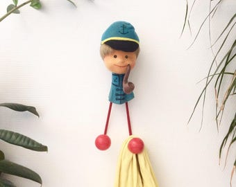 Character sailor pipe made of felt, fabric, plastic and metal racks. Vintage 1970's