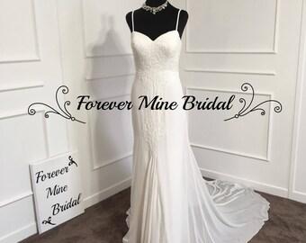 Elegant Sheath Wedding Dress With Spaghetti Straps And Sweetheart Neck Design