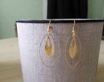 Metal drop earring gold granite