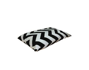 Black and White Pet Pillow Bed