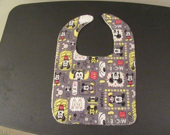 "Baby/Toddler Bib ""Mickey Mouse"""