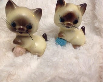 Vintage siamese cats figurine kity cats
