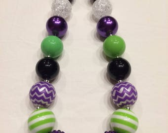Chunky bead necklace purple green black evil dragon lady
