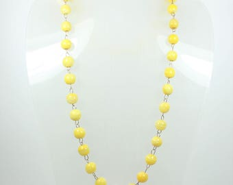 A Stunning Handmade Vintage Yellow Glass Beaded Necklace