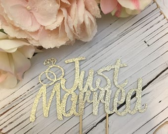 Just Married with Rings * Wedding Day Cake Topper * Wedding Decorations * Wedding Cake Topper * Special Occasion Cake Topper * Wedding Day