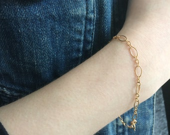 Gold Chain Bracelet, Dainty  Bracelet,  Oval Link Bracelet, Stacking bracelet,  Bridesmaid gift, everyday bracelet