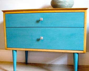 1950's Vintage Chest of Drawers