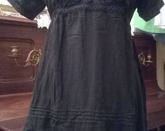 Cotton and Black Lace short dress