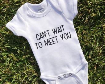 Pregnancy Announcement, Pregnancy Reveal Shirt, Expecting Baby Shirt, Baby Announcement, Cant Wait to Meet You, Birth Announcement