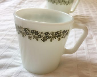 Set of 6 Spring Blossom Pyrex mugs in Green