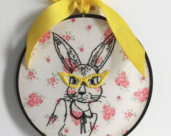 Sassy bunny embroidery hoop