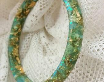 Jade gold leaf resin bracelet. Faceted resin Bangle jade with gold leaf and holographic glitter