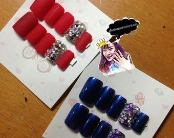 Glitter nails jell match