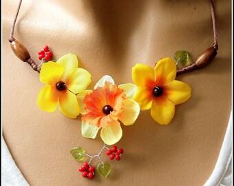 Necklace three flowers yellow/orange/orange