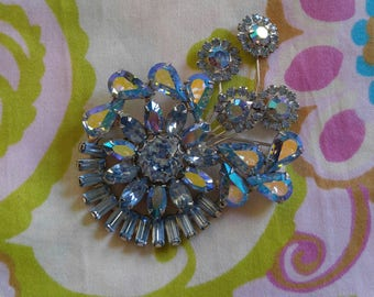 Weiss Brooch blue Aurora Borealis crystal vintage pin vintage jewelry