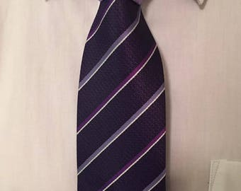 Two-Toned Tie (Donatello's First Date)