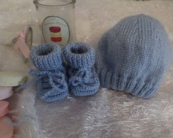 Set hat and blue slippers knit newborn