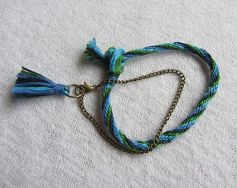Duo of bracelets blue / green braided Kumihimo + bronze chain with cotton tassel