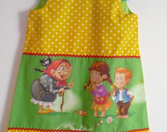 Little pinafore dress very pretty, 3 years old!