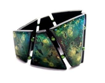 Green iridescent cuff bracelet - Milky Way.