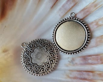 1 medium 25mm antique silver cabochon