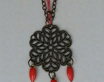 mid-long necklace bronze engraving and coral navettes