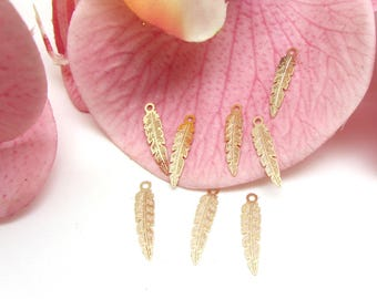 10 Mini leaf Fine gilt Metal charms - 17 * 4 mm