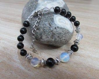 "Natural stone black and white ""Chiaroscuro"" bracelet"