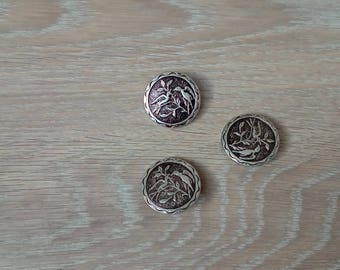 Set of 3 vintage metal buttons