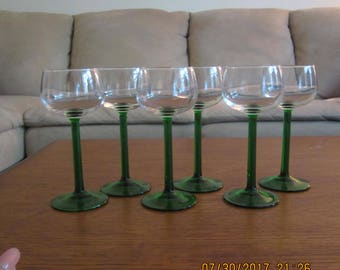 VINTAGE GREEN STEM Wine/Champagne Glasses
