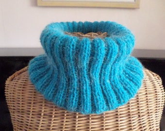 knit with a turquoise blue wool snood