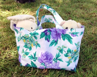 Small tote in a floral print
